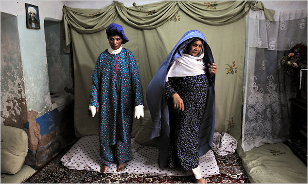 Burn-article picture by Lynsey Addario for The New York Times