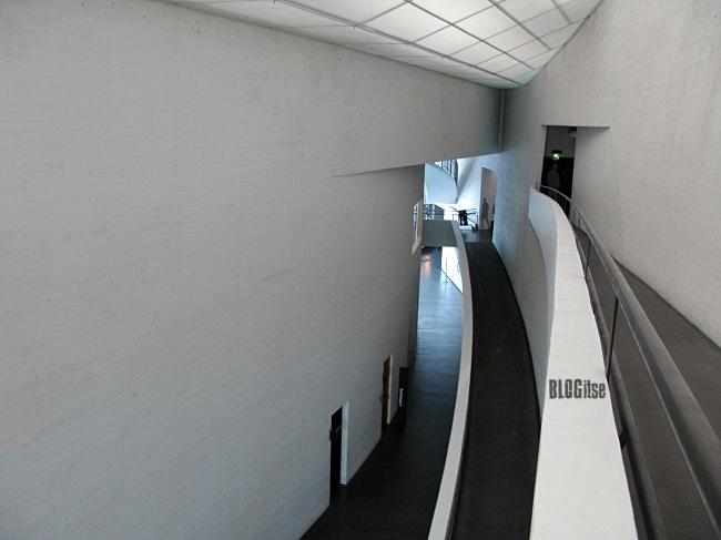 Kiasma hallway by BLOGitse