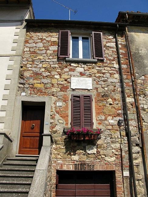 Lucignano, Italy by BLOGitse