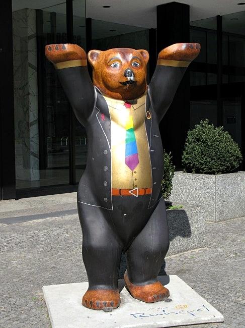 BEARlin bear by BLOGitse