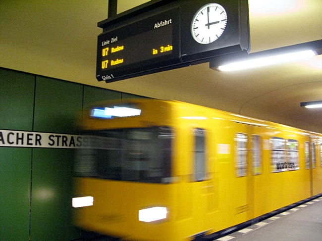 U-Bahn Berlin by BLOGitse