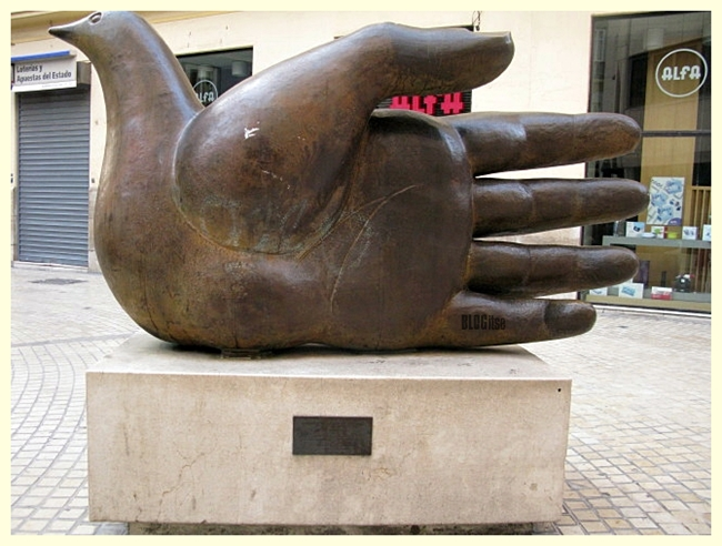 Hand of Peace Ave Quiromantica by Jose Sequiri BLOGitse