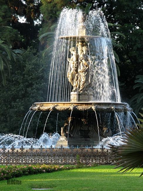 Plaza del General Torrijos Málaga, España by BLOGitse