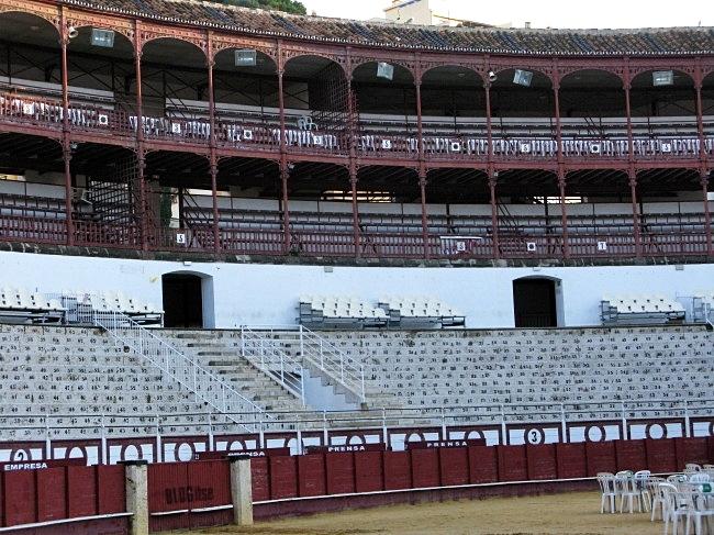 plaza de toros Málaga, España by BLOGitse