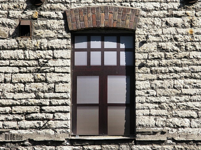 fake windows in Tallinn Estonia by BLOGitse