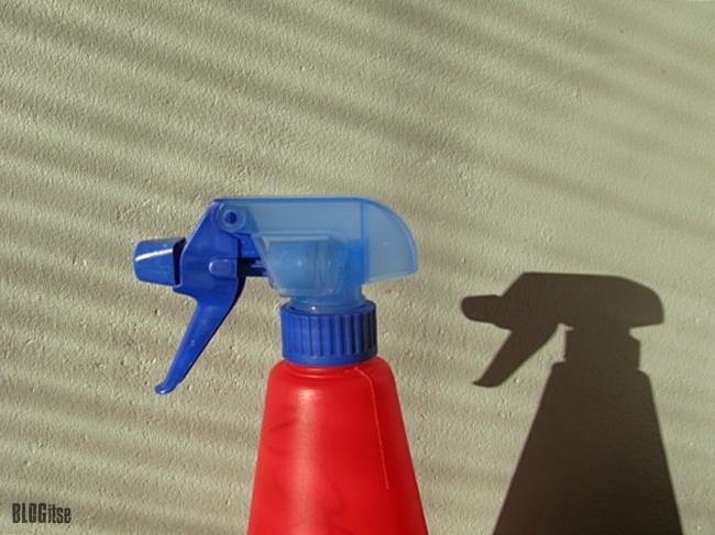 two spray bottles by BLOGitse