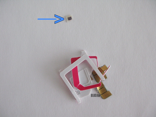 broken sim card by BLOGitse